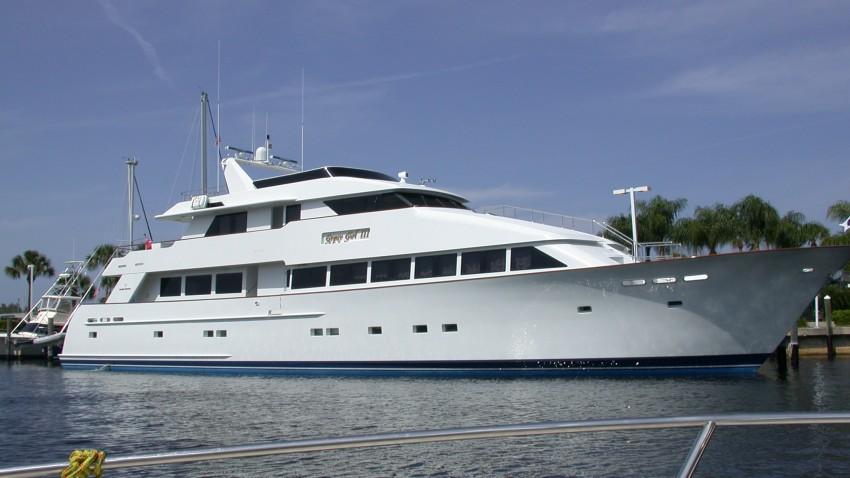 Motor_yacht_Gypsy_Girl_III